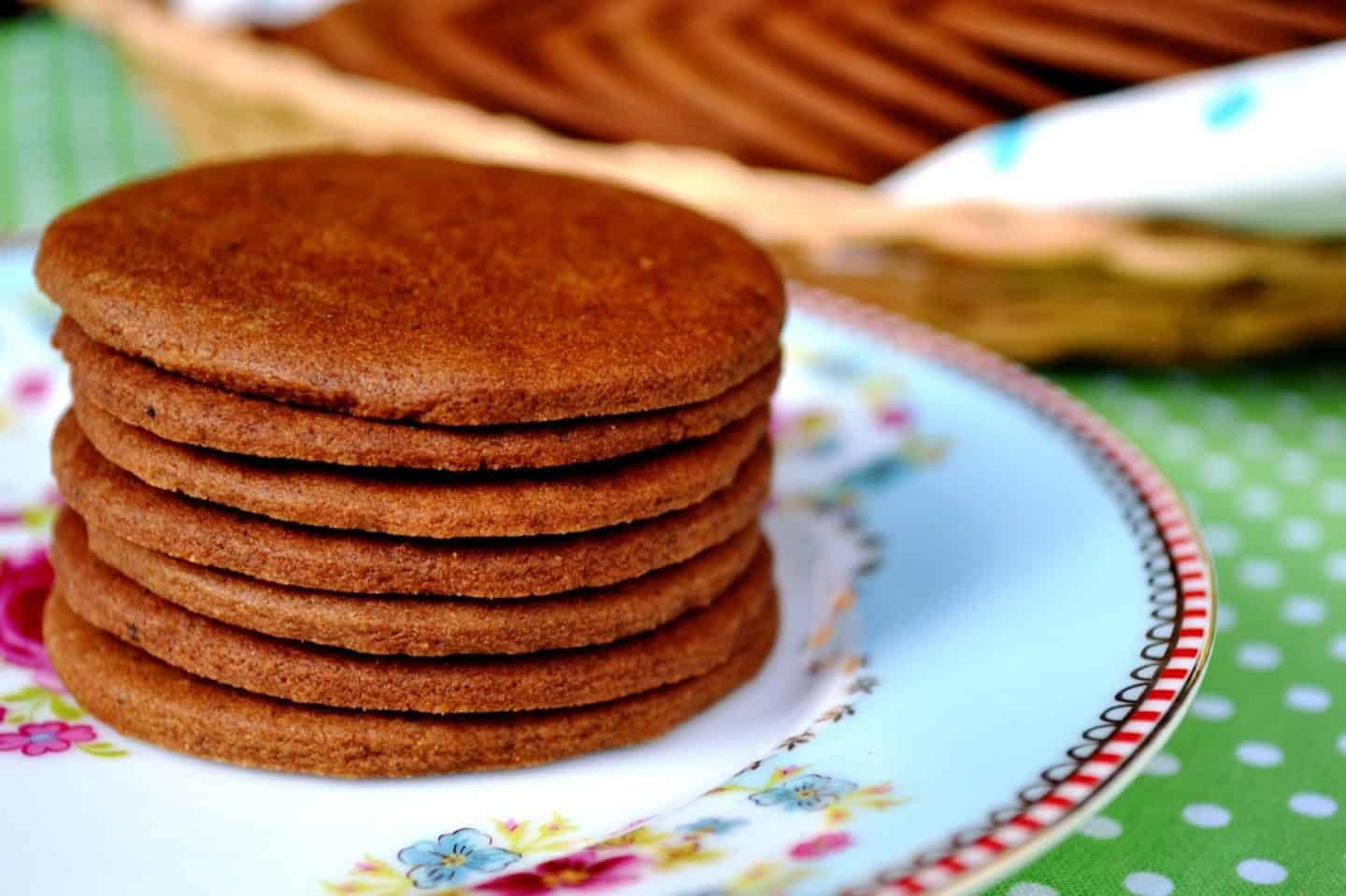 Recipe Pepparkakor Or Swedish Ginger Snaps Cookies The Cutlery Chronicles