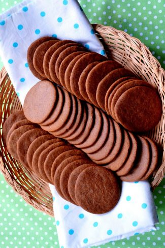RECIPE | Pepparkakor Or Swedish Ginger Snaps Christmas Cookies