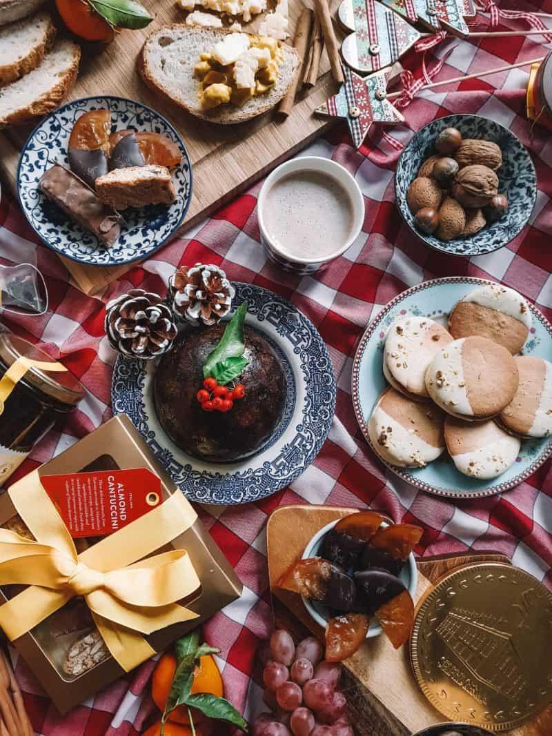 Christmas pudding, Selfridges food gift Christmas hampers